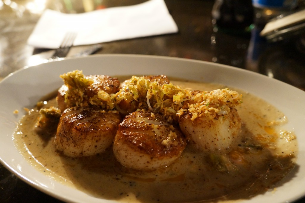 brimmer & heeltap - coconut curry scallops